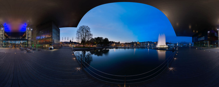 Photo: Urs Wyss by avocado360. The KKL Luzern is centrally located in the city of Lucerne. The venue is located directly on Lake Lucerne in close proximity to the international train station, which was designed by Santiago Calatrava. The old town, which can be reached via the famous Chapel Bridge and the Water Tower, is located just a few hundred metres from the KKL Luzern. On the opposite shore of the lake – the Lucerne Riviera – lies the 19th century part of the city with its stately hotels. The KKL Luzern is embedded in an architecturally diverse area. Originally, Jean Nouvel planned to build the new Concert Hall in the form of a ship, heading directly into the lake. This idea could not be realised for urban and ecological reasons. Nouvel revised the project and came to the following conclusion: if I can't go to the water, then the water will come to me. Nouvel uses the term 'inclusion' to describe his ideas, explaining that the outside comes inside, and the inside goes outside. Using water channels that lead directly into the building, and a roof that extends over the Lake, Nouvel made certain that his notion of Inclusion took on a real-world format.